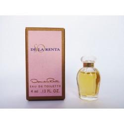Miniature de parfum So de la Renta de Oscar de la Renta