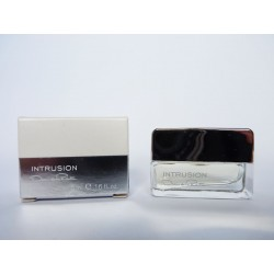 Miniature de parfum Intrusion de Oscar de la Renta