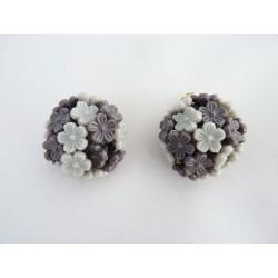 Boucles d'oreilles clips à fleurettes grises