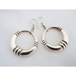 Boucles d'oreilles anneaux en métal chromé