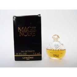 Miniature de parfum Magie Noire de Lancôme