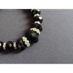 Bracelet en perles de verre noir facetté