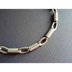 Bracelet en perles tubulaires de métal martelé