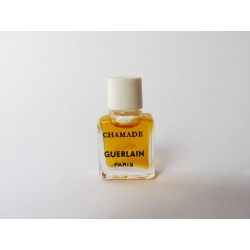 Miniature de parfum Chamade de Guerlain bouchon blanc
