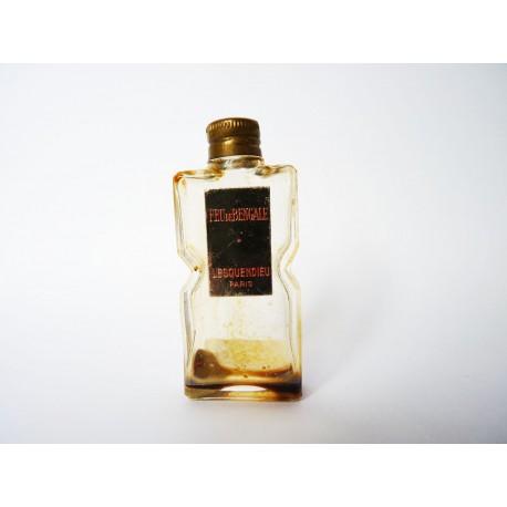 Ancienne miniature de parfum Feu de Bengale de Lesquendieu