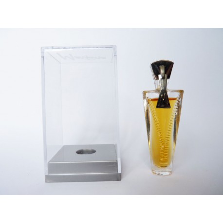 Miniature de parfum Just Me de Montana