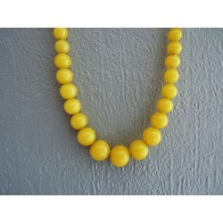 Long collier vintage de perles de verre jaune