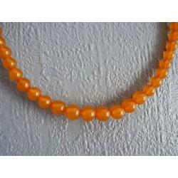 Collier en perles de bakélite jaune