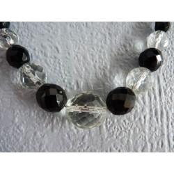 Collier en perles de verre facetté noir et transparent