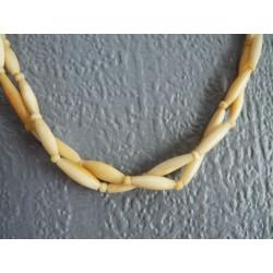 Ancien ras de cou 2 rangs en perles allongées en ivoire
