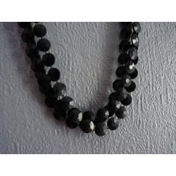 Long collier 3 rangs en pastilles de plastique noir