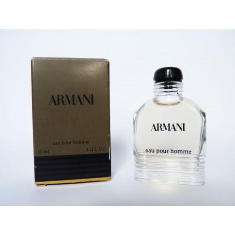 Miniature de parfum Armani de Giorgio Armani