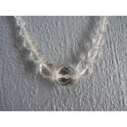 Collier vintage en perles de verre transparent multi-facettes