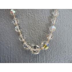 Collier ancien en perles de cristal taillé en facettes