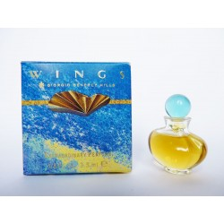 Miniature de parfum Wings de Giorgio Beverly Hills