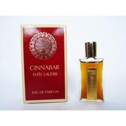 Miniature de parfum Cinnabar de Estée Lauder