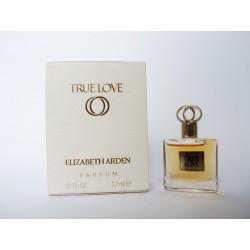 Miniature de parfum True Love de Elizabeth Arden
