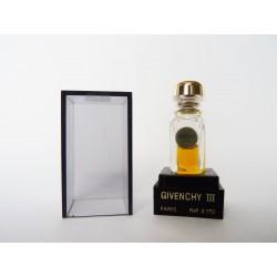 Miniature de parfum Givenchy III