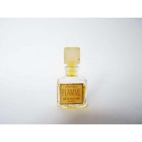 Ancienne miniature de parfum Flamme de Bourjois