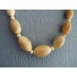Collier vintage en grosses perles de corne
