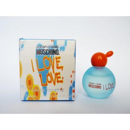 Miniature de parfum I love Love de Moschino