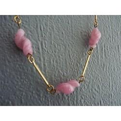 Collier en perles pâte de verre rose