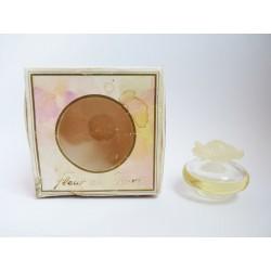 Miniature de parfum Fleur de Fleurs de Nina Ricci