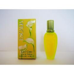 Miniature de parfum Lily Chic de Escada