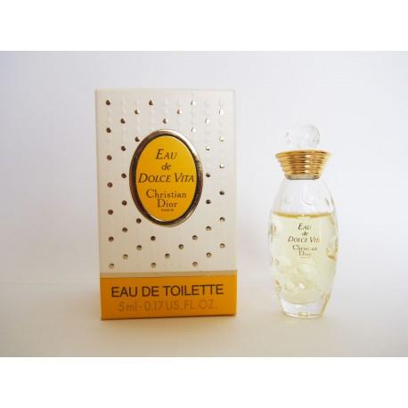Miniature de parfum Eau de Dolce Vita de Christian Dior