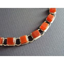 Bracelet en cubes de cornaline sur métal