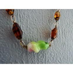 Collier en perles pâte de verre sur chaine dorée