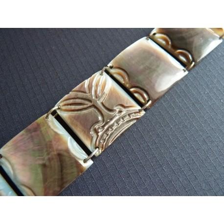 Bracelet en plaques de nacre travaillée