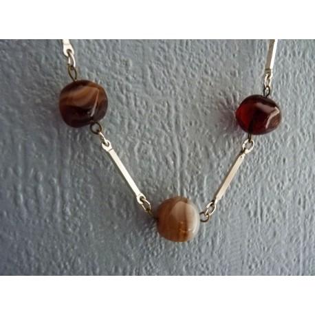 Collier en perles pâte de verre marron et blanc marbré
